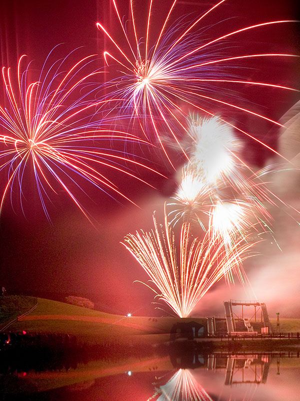 Bonfire Night display in Cornwall by Sonic Fireworks